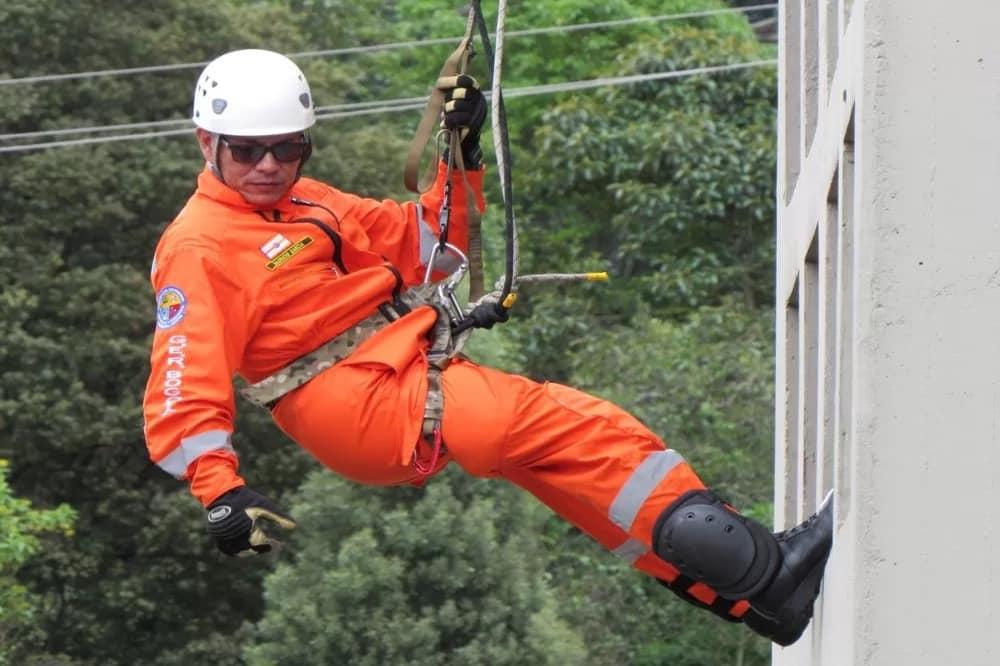Arnés de seguridad y rescate en alturas vertical